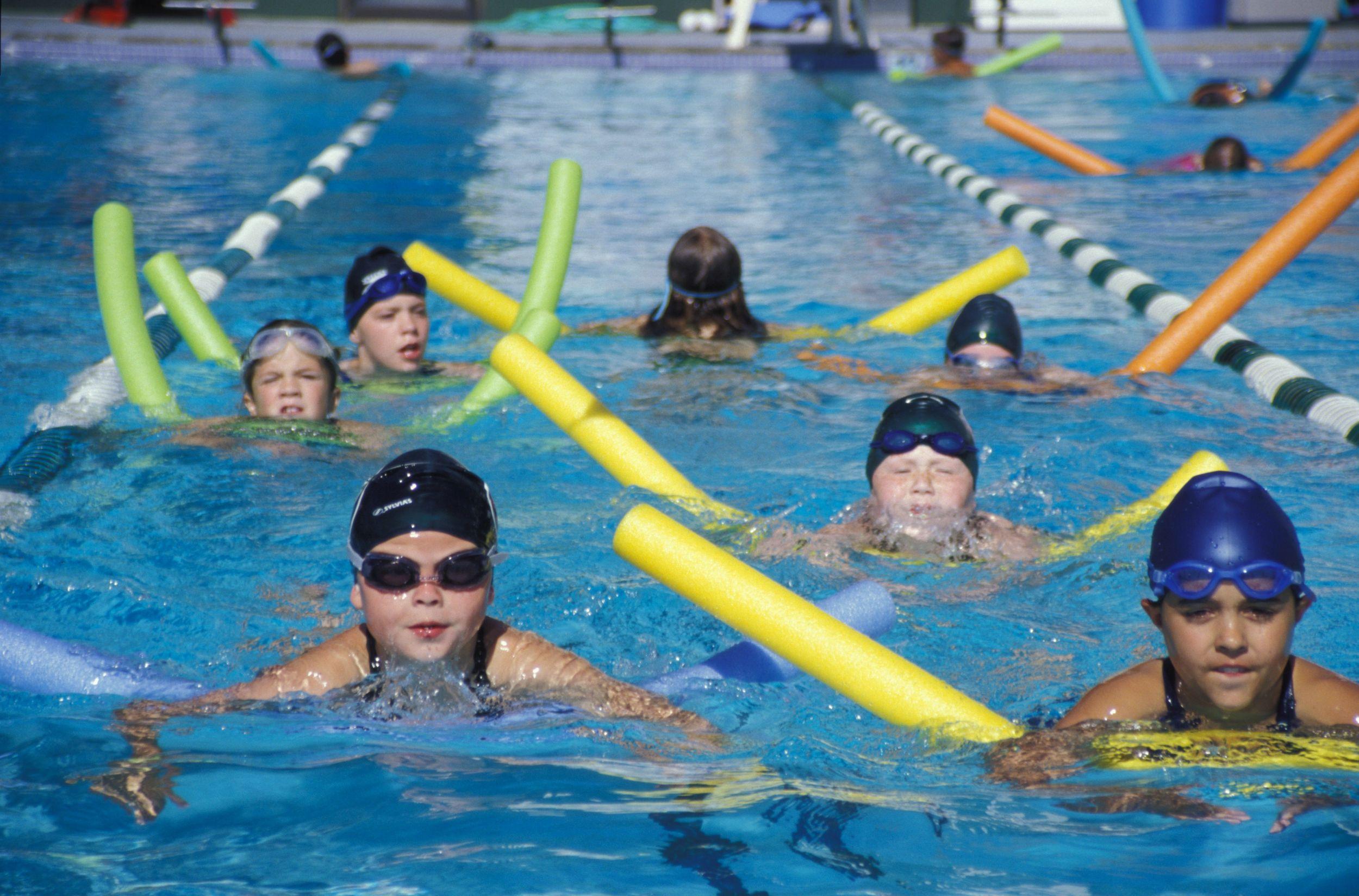 Юри в бассейне 1 фотография