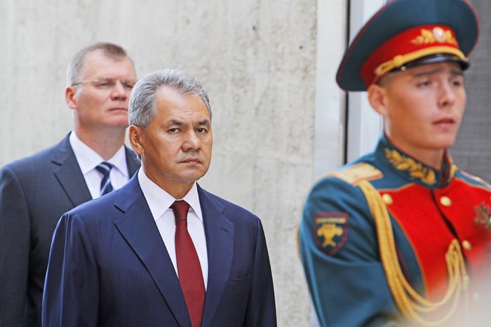 Zamračený minister obrany RF Šojgu