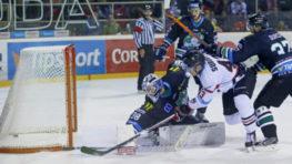 FOTO-VIDEO: Naši hokejisti zdolali pred návštevou sezóny Nové Zámky na nulu + HLASY