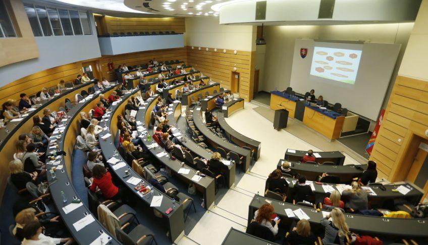 konferencia v bb