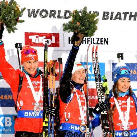 Rakúsko SR Biatlon SP 2.kolo šprint ženy Domračevová Kuzminová