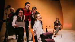 Bábkové divadlo na Rázcestí víta dospelé publikum