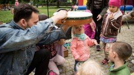 """Nadácia VÚB otvára grantový program """"Pomôžte svojej komunite"""""""