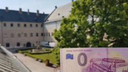 """Po prvej 0 eurovke s Pamätníkom SNP bude prvým hradom na ďalšej """"nulke"""" Červený Kameň"""