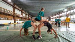 FOTO: Parkouristi v Bystrici predviedli svoje kúsky, trénovali aj s deťmi z detského domova