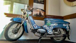 Slovenské múzeum máp vystavuje Pionier motocestovateľa Mareka Slobodníka