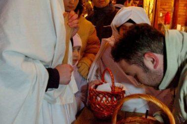 vianoèné mesteèko Lucie zahalené v bielych plachtách
