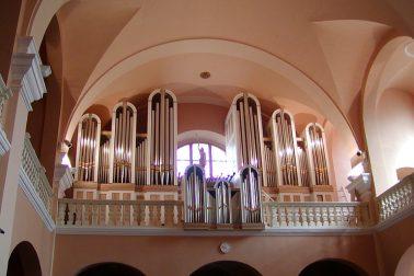 organ v katedrale bb
