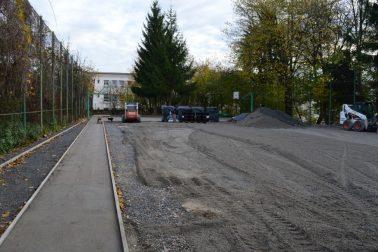 3_ZŠ SSV_práce na ihrisku na Šoltésovej ulici v tesnej blízkosti školy