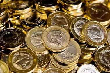 Nemecko EÚ Lotyšsko eurozóna mince razenie