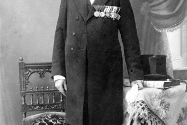 Anton-Szmolen-ako-lokaj-vo-výslužbe