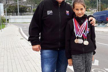 3. kolo SPŽ 2018 - Ema Malíková s trénerkou Potančokovou