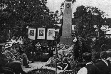 18-Pomník H. Mičiná