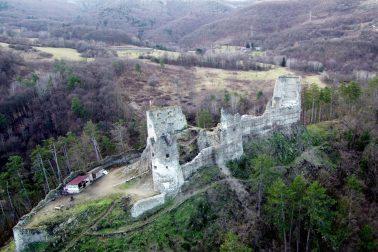 hrad_reviste_zhora