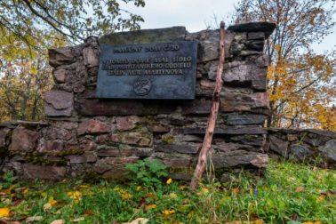 V tomto dome mal sídlo štáb partizánskeho oddielu Stalin Mjr. Martynova