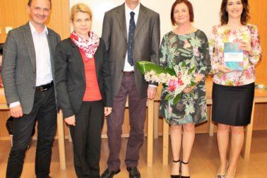 Dekan EF Krištofík, Prorektorka Chovancová a autori David Cole, Lenka Theodoulides a Gabriela Kormancová