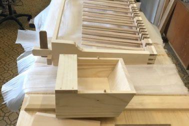 výroba pedálnice k hraciemu stolu