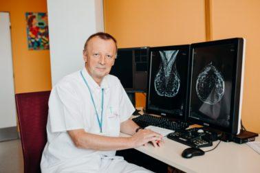 Primár Onkochirurgického oddelenia Mammacentra sv. Agáty Svet zdravia v Banskej Bystrici MUDr. Ivan Turčan sa stal najlepším lekárom vo svojom medicínskom odbore. (3)