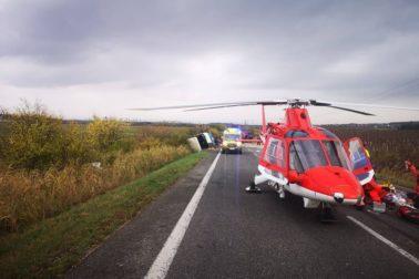 autobus-sanitka-cesta-nehoda_03-galeria