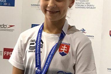 Ema Malíková - bronz na 100 m polohové preteky