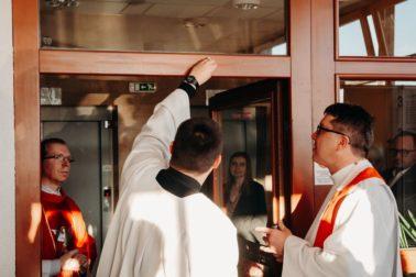 Súčasťou oslavy bola aj svätá omša v kaplnke mammacentra (2)
