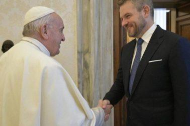 s papezom