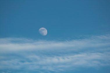 mesiac2