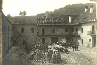 Asanácia-vnútorného-dvora-Komorského-domu.