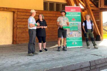 krst Turistického atlasu Slovenska a)