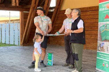 krst Turistického atlasu Slovenska b)