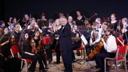 FOTO: Orchester West Virginia Youth Symphony očaril Robotnícky dom