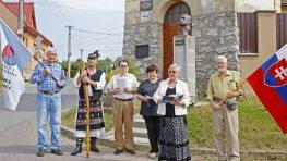 FOTO: Pietny akt pri Štefánikovej buste v Sásovej
