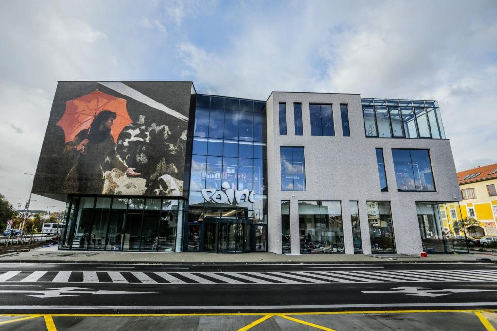 FOTO  Vo štvrtok 25. októbra otvorili nákupné centrum POINT Banská Bystrica 343a08c9215