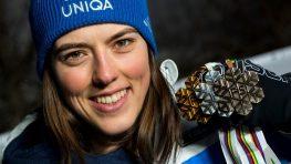 Petra Vlhová bronzom zo slalomu skompletizovala medailovú zbierku na MS