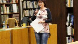 Terapeutka a spisovateľka Antonie Krzemieňová v knižnici o emóciách
