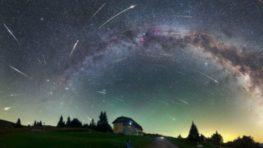 Prichádza čas padajúcich hviezd – Perzeíd pozorovateľných voľným okom na nočnej oblohe