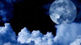 Na poslednej októbrovej oblohe zažívame jedinečný úkaz – modrý Mesiac