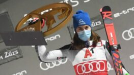 Víťazný hetrik Petry Vlhovej, triumf tentoraz v paralelnom slalome v Rakúsku