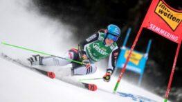 Silný vietor odfúkol Petre Vlhovej šancu na víťazstvo v Semmeringu, po 1. kole viedla