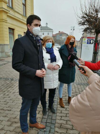 Zľava Ondrej Lunter, Božena Kováčová a Denisa Nincová