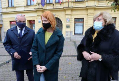 Zľava Ján Lunter, Denisa Nincová a Božena Kováčová