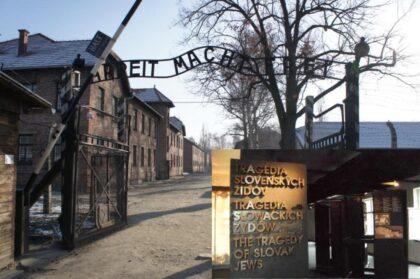 Expozícia Múzea SNP v Auschwitz Birkenau