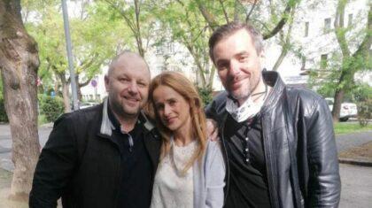 Zľava prepustený Martin Ribár s manželkou a kolegom Matejom Merhavým z IAPŠ