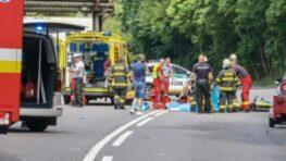 Zrážku auta s dvomi cyklistami v Harmanci neprežila matka 10-ročného dieťaťa