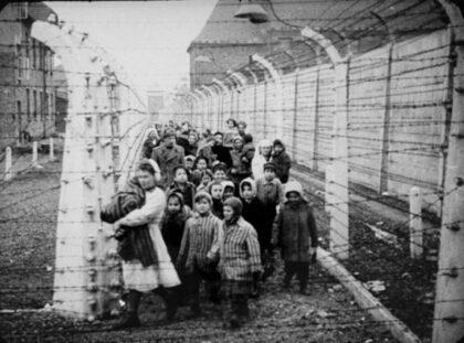 """Mengeleho deti"" v koncentračnom tábore"