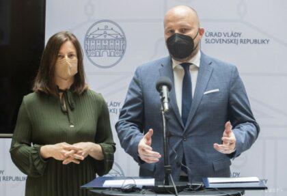 Ministerka kultúry Milanová a minister obrany Naď