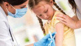Otvára sa očkovanie detí od 5 rokov a podávanie tretej dávky vakcín, hnev ľudí rastie…