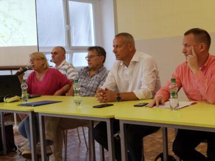 Ján Nosko a Jakub Gajdošík na diskusii s občanmi Fončordy